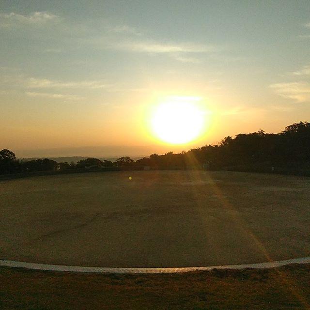 週末は生駒山にある施設で宿泊研修に参加しました😀宿泊ならではの濃い勉強会が深夜まで繰り広げられました!早朝は恒例の蔵散歩に参加。ひんやりした空気の中で朝日を浴び、頭もスッキリ午前の勉強会も集中した良い時間となりました!#キネティックフォーラム #bcトータルバランスシステム #うすだ接骨院鍼灸院 #吉祥院商店会