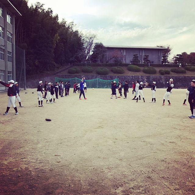宿泊研修の後は、NPOスポーツ健康援護協会京都支部メンバーで、山城地方の中学野球部のバランストレーニング指導へ!テーマは「投げる!」選手達は様々なBCエクササイズを通し、投げるの基本を学びました#npoスポーツ健康援護協会#キネティックフォーラム#bcトータルバランスシステム #bcエクササイズ #吉祥院商店会 #うすだ接骨院鍼灸院