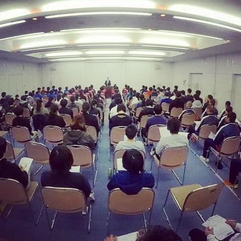 今年度最後のテクニカル講習会!会場のキャパ限界の参加者で盛り上がりました障害予防でもありパフォーマンスアップに繋がるBCエクササイズを2時間たっぷり行いました!次回は7月です!#キネティックフォーラム #npoスポーツ健康援護協会 #bcエクササイズ #bcトータルバランスシステム #南区吉祥院 #うすだ接骨院鍼灸院